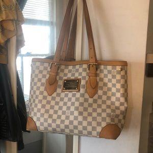 Authentic Louis Vuitton purse , limited addition